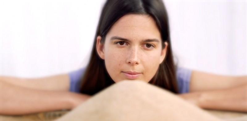 Clémence Quélennec (La Femme) explore de nouvelles voies avec AJA